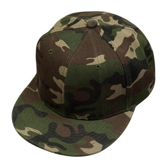 kepure su snapeliu camo